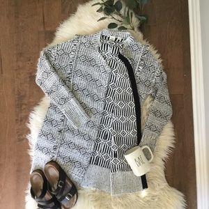 Gap XS Black & White Fringe Open Front Sweater